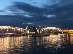 Szentpétervár/Hidak tánca